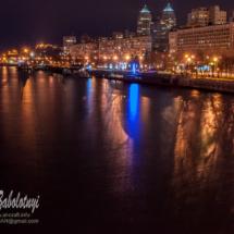 нічна фотографія міста на Дніпрі, вид на набережну Дніпра