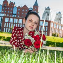 Детское фото, девочка в траве
